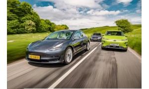 """特斯拉Model S最近被一家可持续交通媒体评为""""十"""