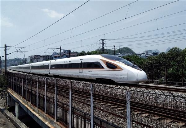 中国最赚钱高铁 京沪高铁发布上市首份年报:每天净赚3200万