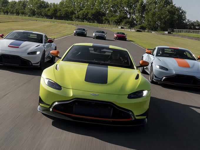阿斯顿·马丁未来两年将推出 10 款新车,但 V12 引擎前景堪忧