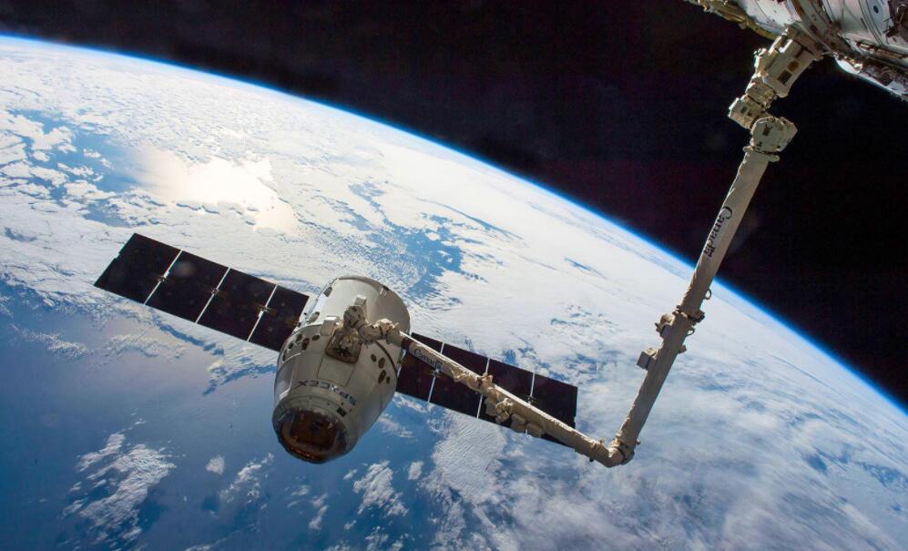 SpaceX有望在未来几周同时测试两艘
